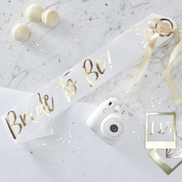 BRIDE TO BE SASH | guld